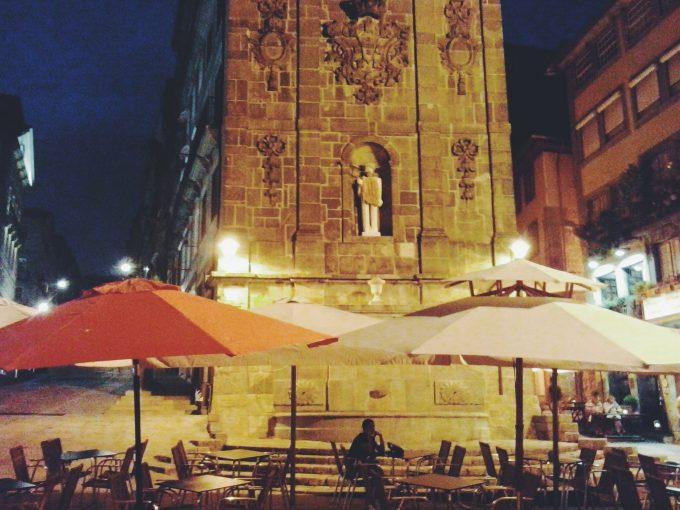 Praça da Ribeira / Ribeira Square, Porto