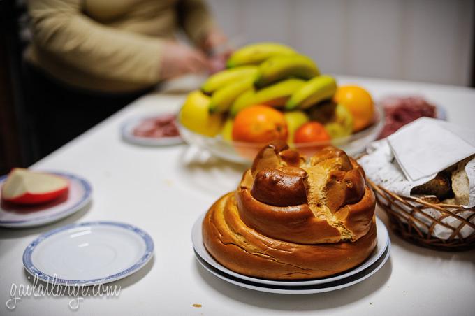 Fogaça da Feira (sweet bread from Santa Maria da Feira, shaped like a castle tower)