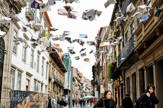 Flying Books Over Rua Das Flores, Porto (5)