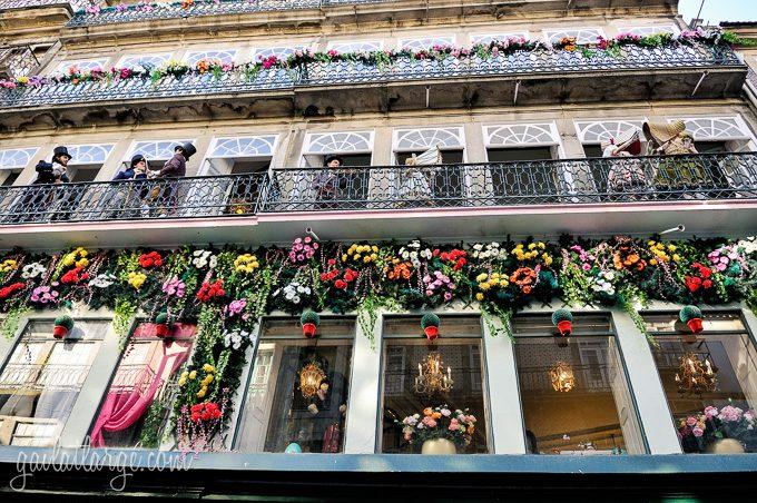 Porto, Granito e Sonho: Street Theatre On Rua Das Flores (5)